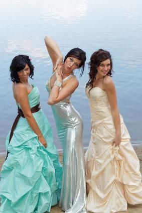Różne kolory sukienek